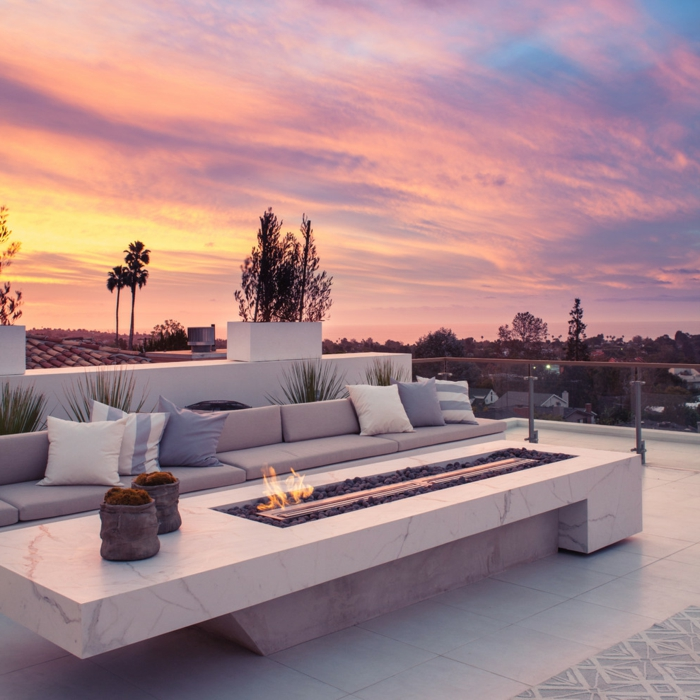 gartengestaltung ideen feuerstelle modern dekokissen terrasse gestalten ideen