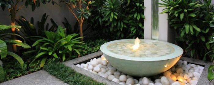 gartengestaltung ideen gartenbrunnen steine pflanzen erholung