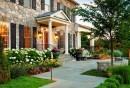 gartengestaltung-ideen-vorgarten-gestalten-steinfassade-blumen