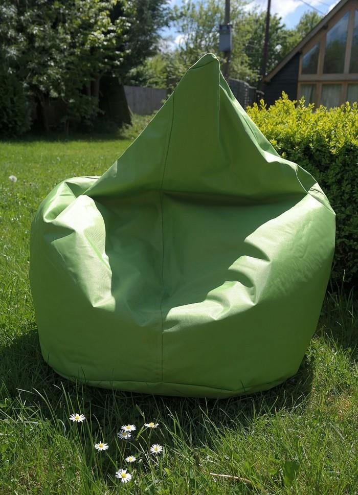 sitzsack outdoor - 20 trendige einrichtungsideen für den modernen, Garten ideen