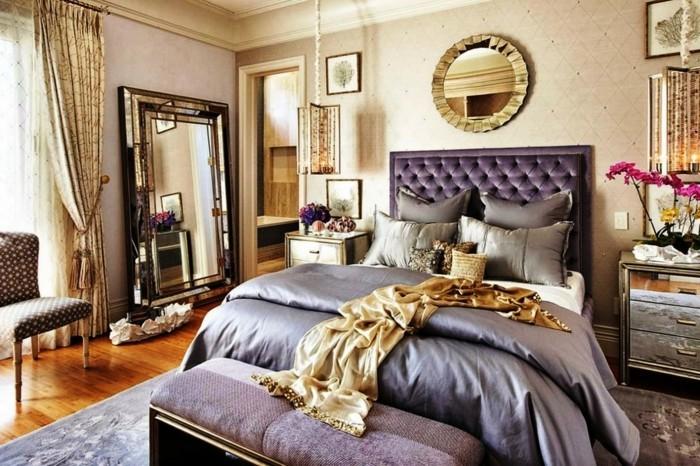 gestaltung schlafzimmer luxuriöse bettwäsche goldene gardinen großer spiegel teppich