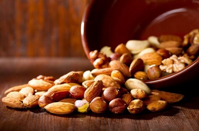 gesundes essen nüsse proteine