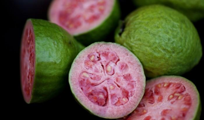 gesundes obst lebe gesund guave hauptsache gesund blätter