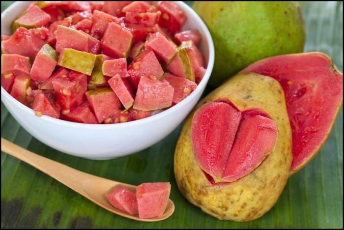 gesundes obst lebe gesund guave hauptsache gesund stück
