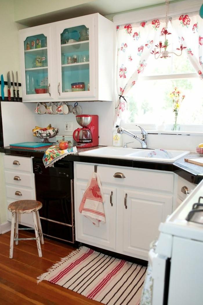 innendesign ideen küche teppichlaufer weiße küchenschränke