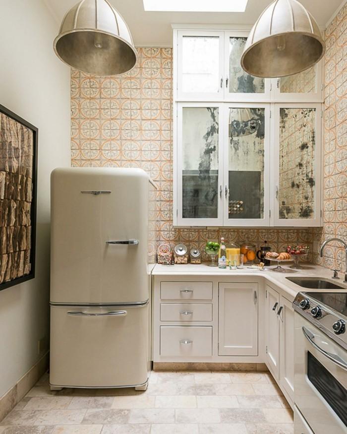 innendesign ideen retro küche wandfliesen design muster bodenfliesen