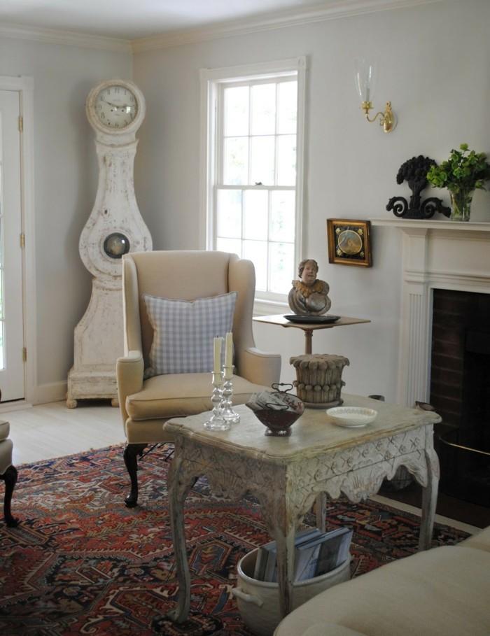 innendesign wohnzimmer rokoko stil tisch farbiger teppich