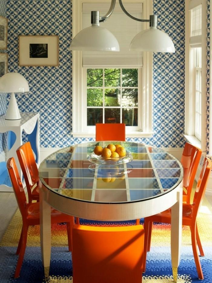 inneneinrichtung esszimmer gestalten cooler teppich orange stühle