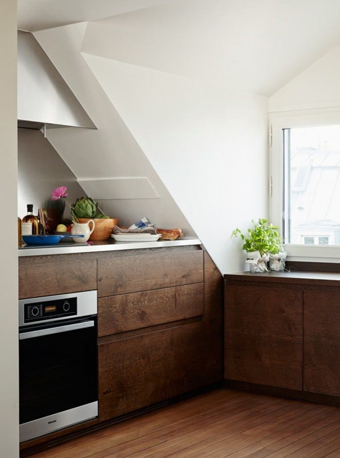 Dachgeschosswohnung kücheneinrichtung mansarde dachschräge deko ideen küche19