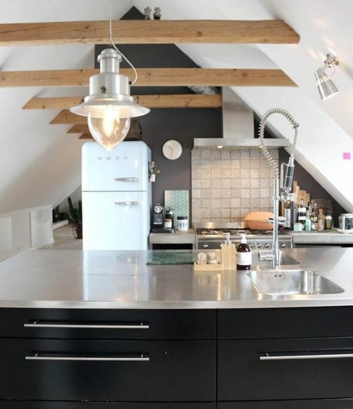 Dachgeschosswohnung kücheneinrichtung mansarde dachschräge deko ideen küche20
