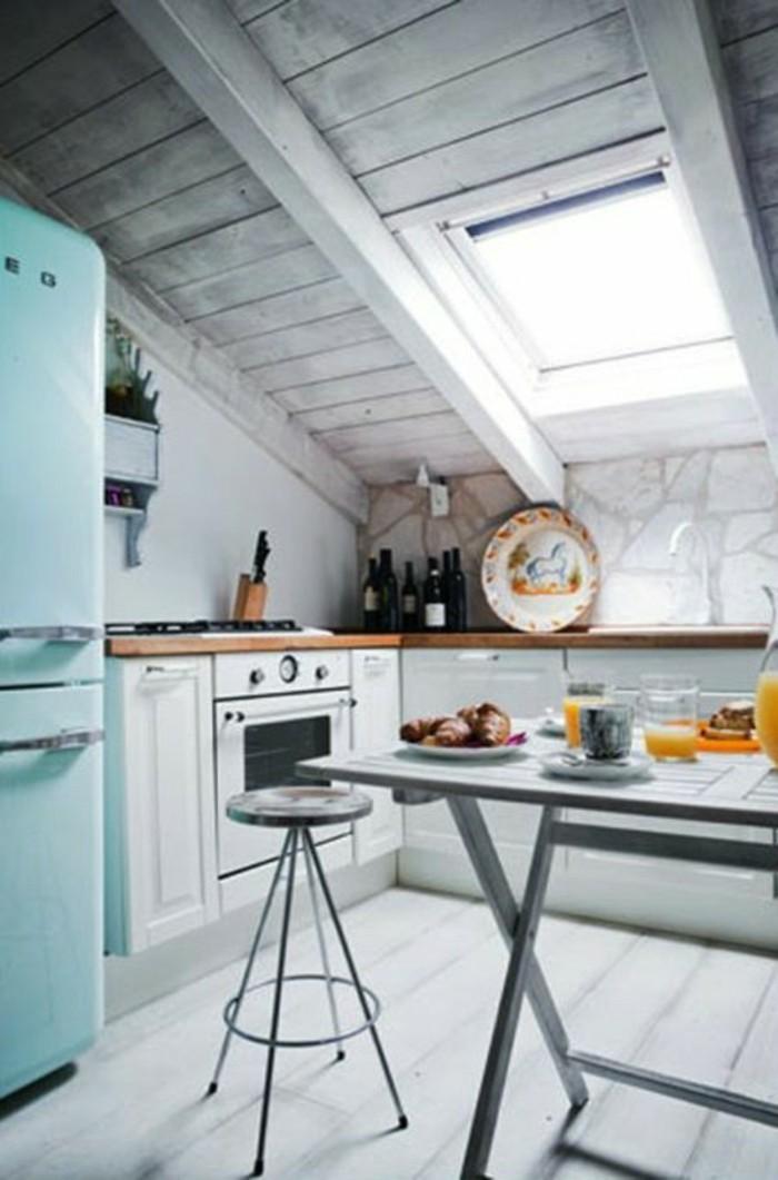 Dachgeschosswohnung Kücheneinrichtung Dachschräge Deko Ideen Küche28