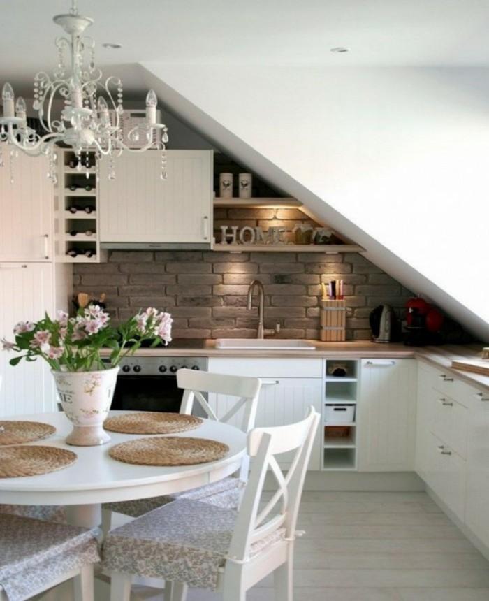 Dachgeschosswohnung Kücheneinrichtung Dachschräge Deko Ideen Küche31