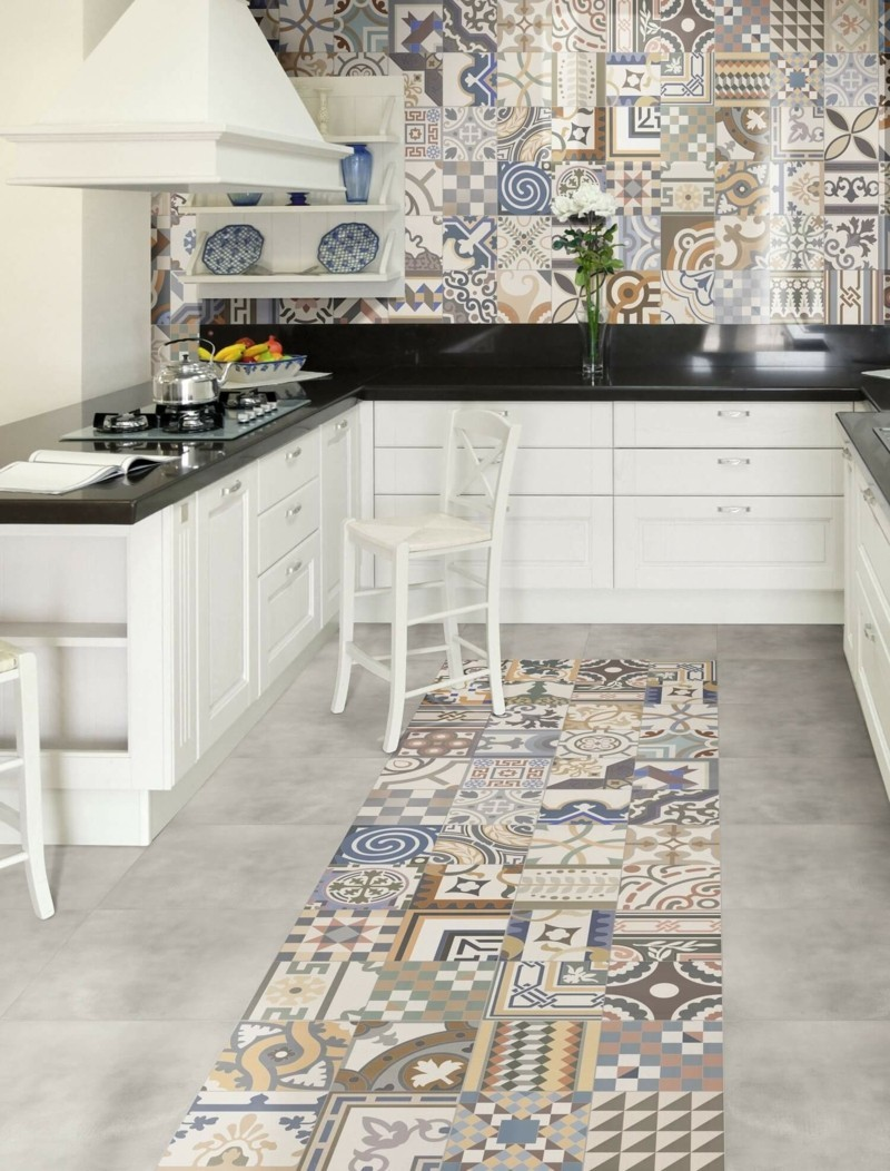 keramikfliesen mit paisley muster fliesen mit orientalischen und geometrischen akzenten. Black Bedroom Furniture Sets. Home Design Ideas