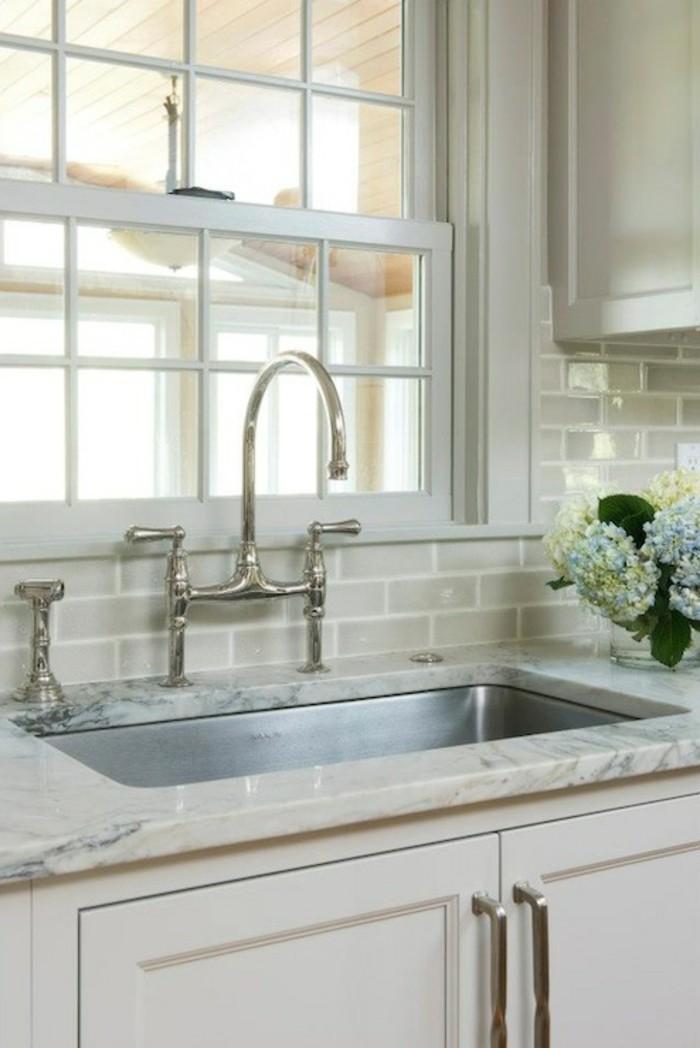 keramikfliesen design küche gestalten wanddesign blumen