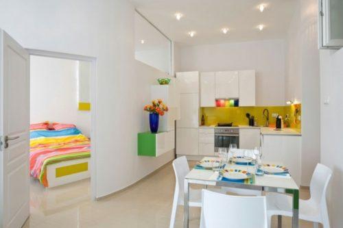 kleine-wohnung-einrichten-weise-kucheneinrichtung-wandfarbe-schlafzimmer-esstisch