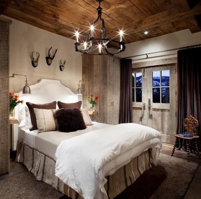 Einrichtungsideen Deko Schlafzimmer Französischer Stil Wanddeko Lange  Braune Gardinen