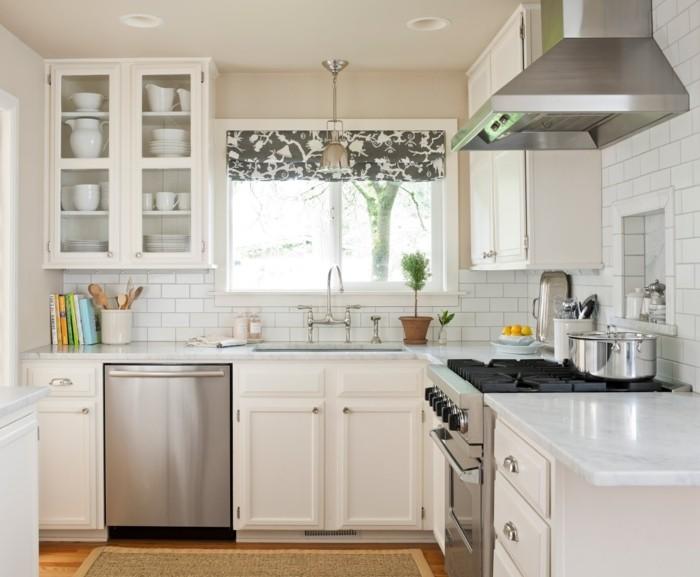 landhausstil französischer stil wohnideen küche raffrollo teppich kleine küche