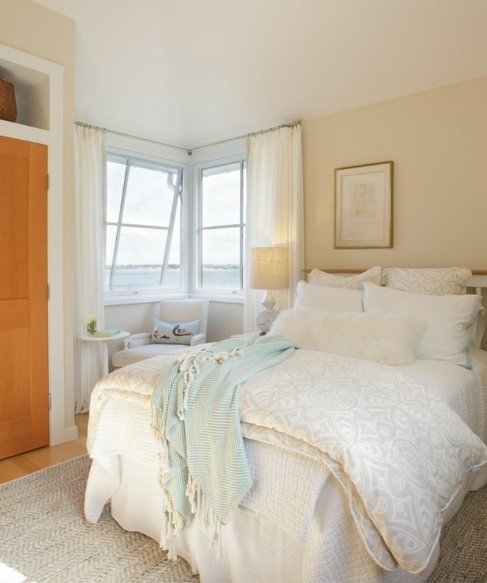schlafzimmer gestalten helle bettwäsche teppich frisch