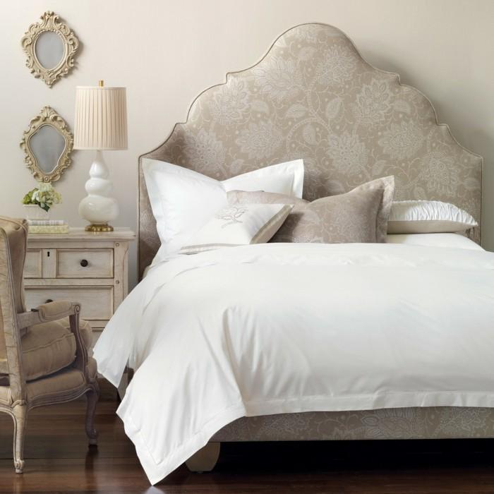 schlafzimmer gestalten schönes bettkopfteil wandspiegel schminktisch