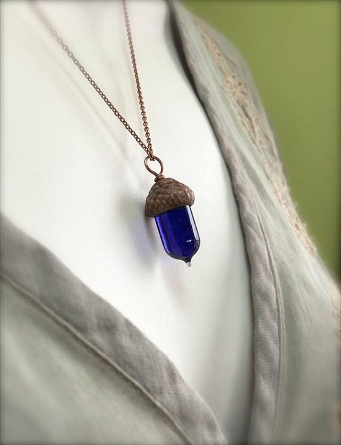 schmuckanhanger eichel blau glas hansanhanger halskette
