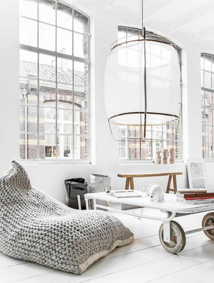 sitzsack wohnideen wohnzimmer weiße wände holzboden