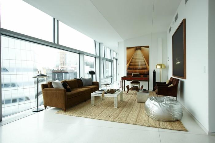 sitzsack wohnzimmer einrichten ideen sisalteppich braunes sofa helle wände