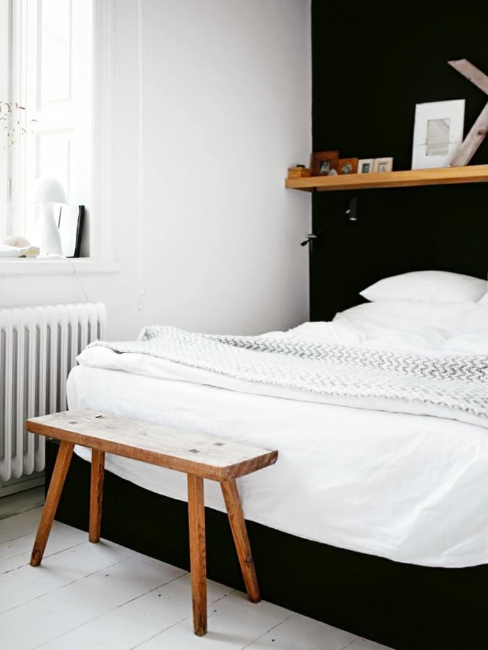 Skandinavisch Einrichten Schlafzimmer Ideen Schwarze Akzente Hölzerne  Schlafzimmerbank
