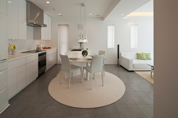 teppich rund küche einrichten beige schöne beleuchtung