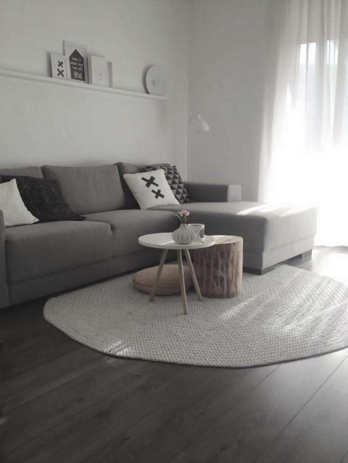 teppich rund wohnideen wohnzimmer weiß holzboden weiße wände
