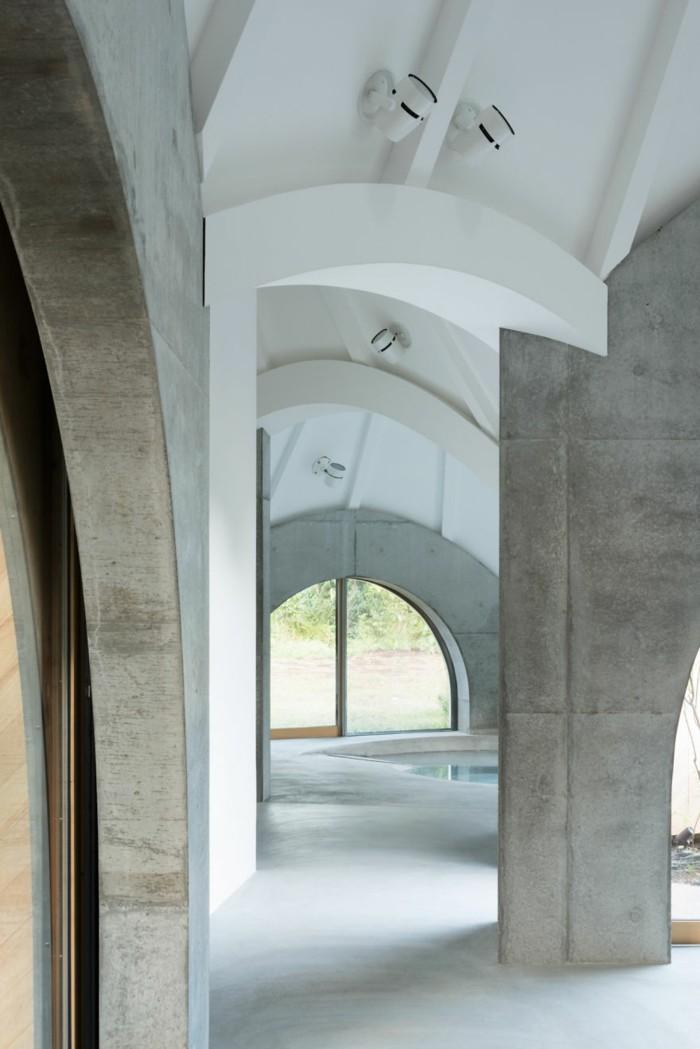 tipi zelt innenpool betonwaende