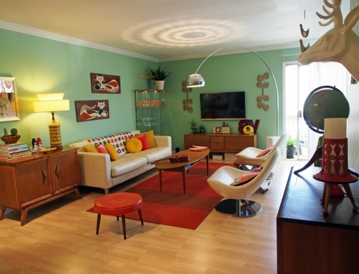 wohneinrichtung ideen retro stil grüne wandfarbe roter teppich