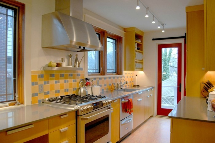 wohnideen küche gelbe akzente wandfliesen