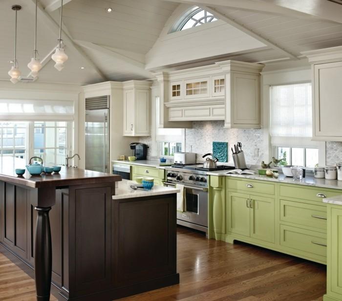 wohnideen küche grüne schränke braune kücheninsel hängelampen