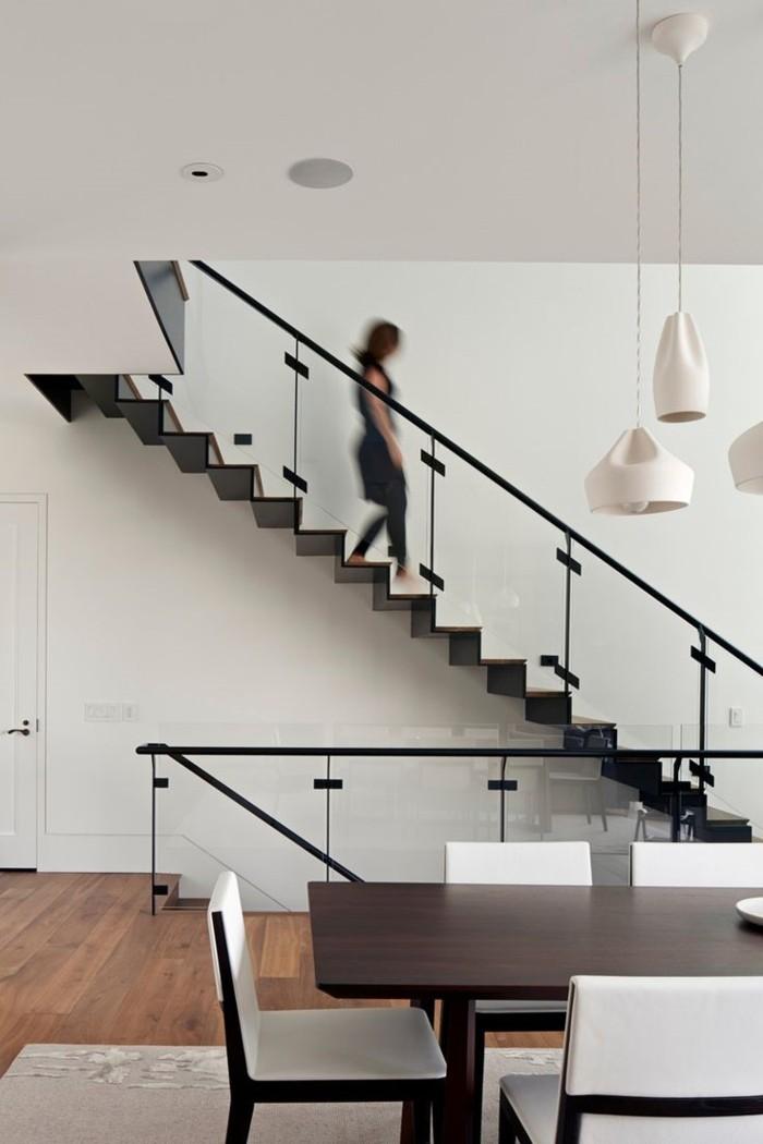 wohnideen wohnzimmer essbereich innentrepen geländer glas