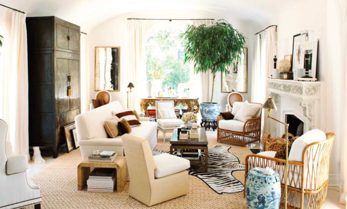 wohnung einrichten ideen wohnzimmer fellteppich helles mobiliar wandspiegel