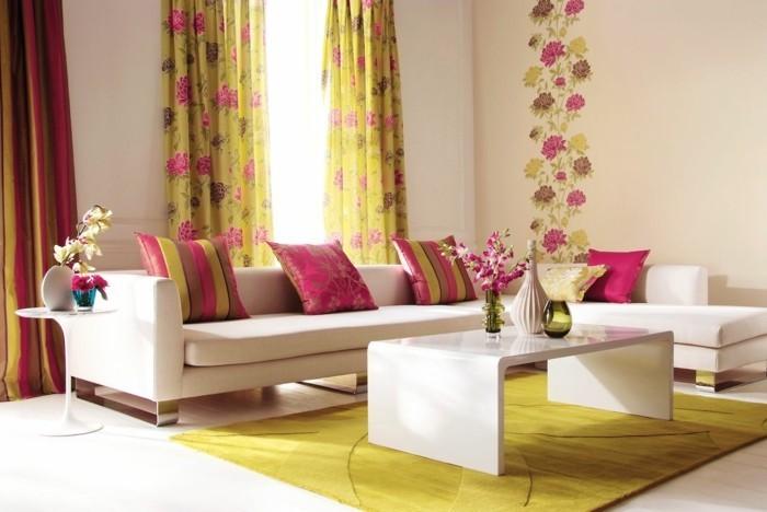 wohnungseinrichtung gelber teppich rote akzente wohnideen wohnzimmer weiße wände