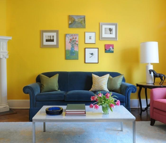 wohnungseinrichtung wohnideen wohnzimmer gelbe wandfarbe farbige möbel