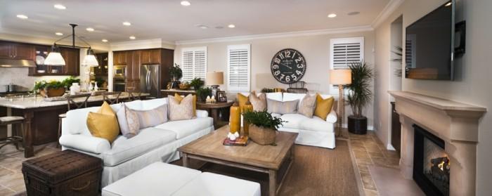 wohnungsgestaltung offener wohnplan kamin weiße sofas