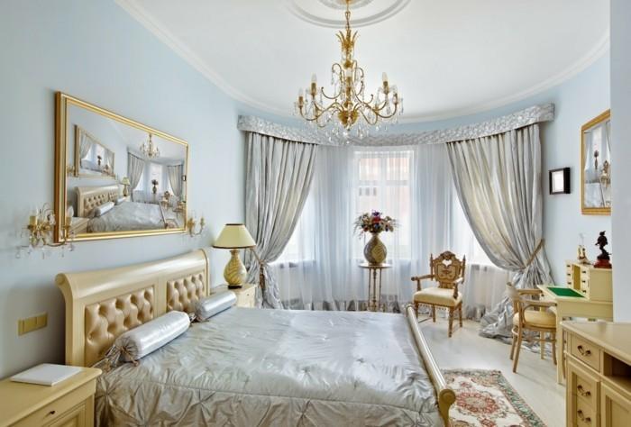 zimmer einrichten ideen rokoko stil schlafzimmer wandspiegel teppich blumendeko