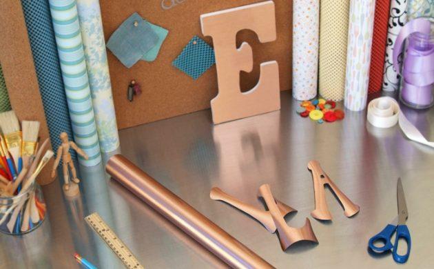 diy-ideen-wohnideen-bastelideen-goldpapier-aufziehen
