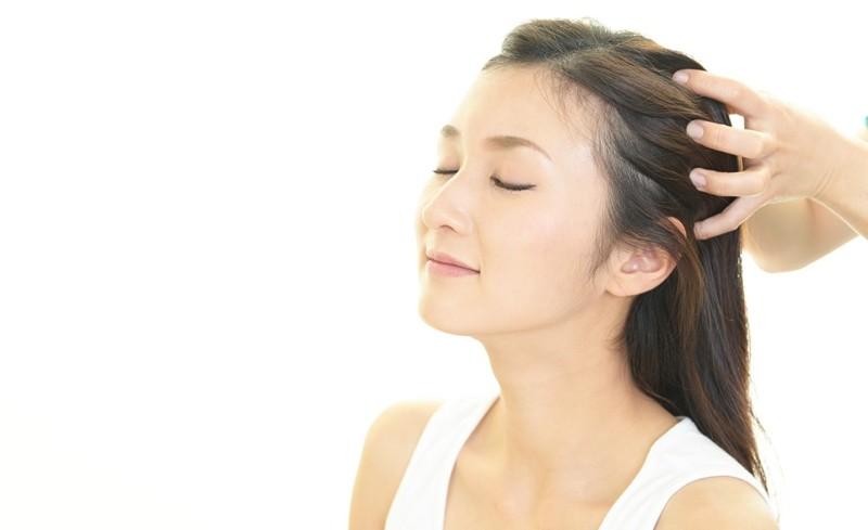 haarausfall mittel hausgemachte haarmaske massage zwiebeln saft