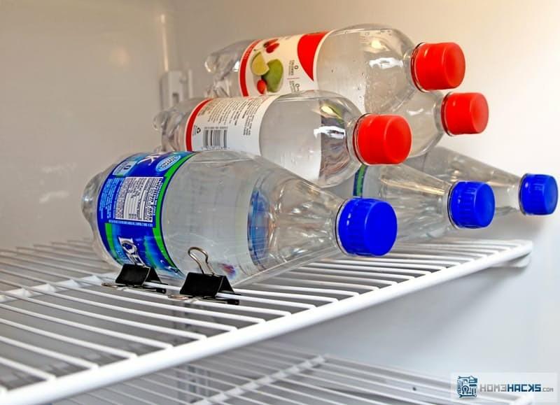 haushalt tipps kuhlschrank mehr stauraum wasserflaschen