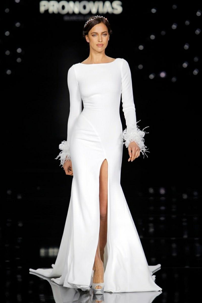 hochzeits-fashion-guide-aktuelle-trends-atelier-pronovias-2017-bridal-wedding-dresses