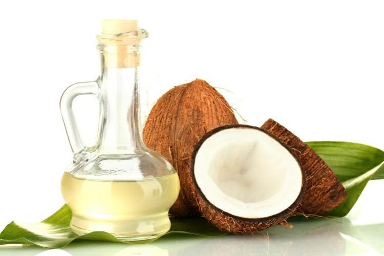 kokosol-haare-gesund-gesundheitliche-tipps-kokosol-wirkung