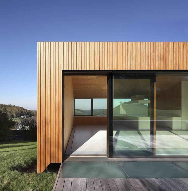l rchenholz im vergleich zu anderen holzarten. Black Bedroom Furniture Sets. Home Design Ideas