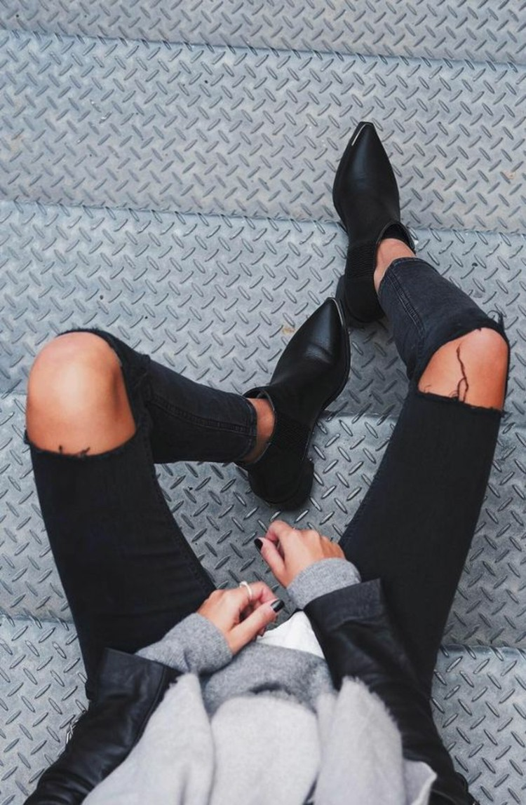 stiefelletten damen herbstmode abgetragene jeans modetrends