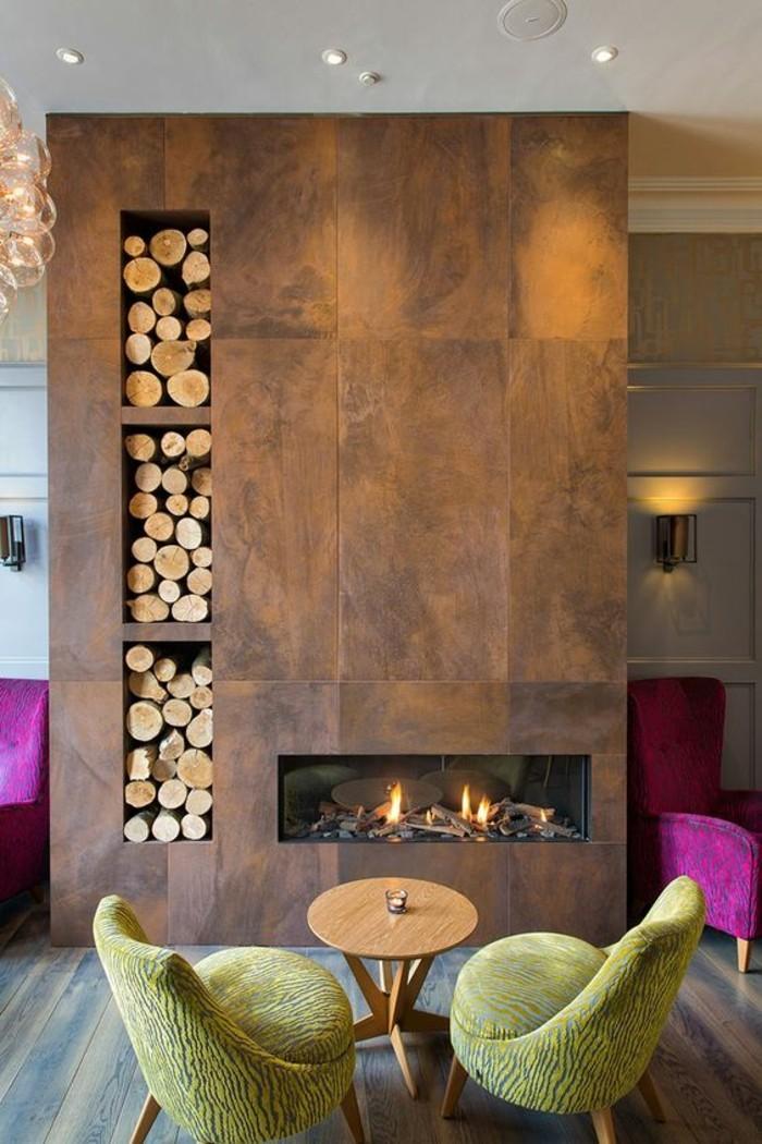 Wohnzimmer Kamin Design Wand Brennholz