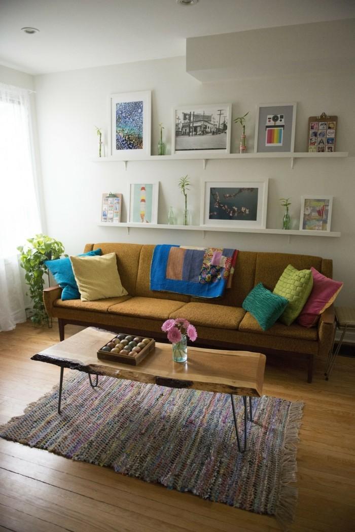 bilderleisten dekoideen wohnzimmer farbige dekokissen teppichläufer