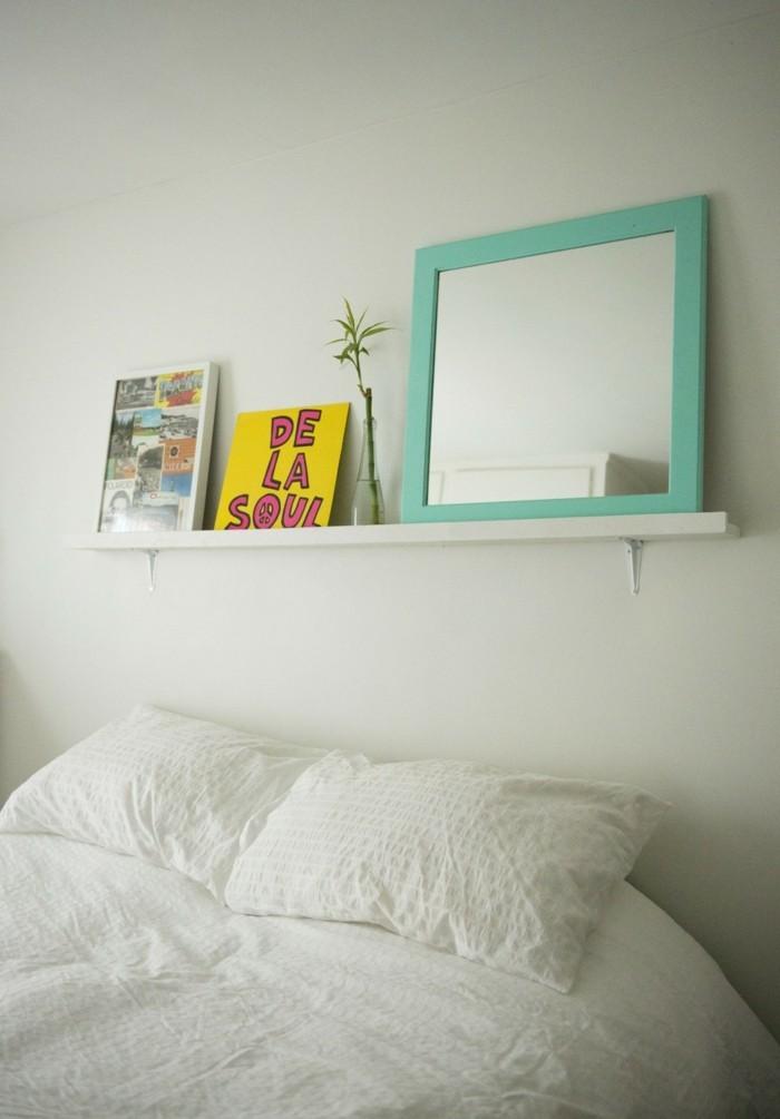 bilderleisten schlafzimmer dekorieren weiße wände weiße bettwäsche