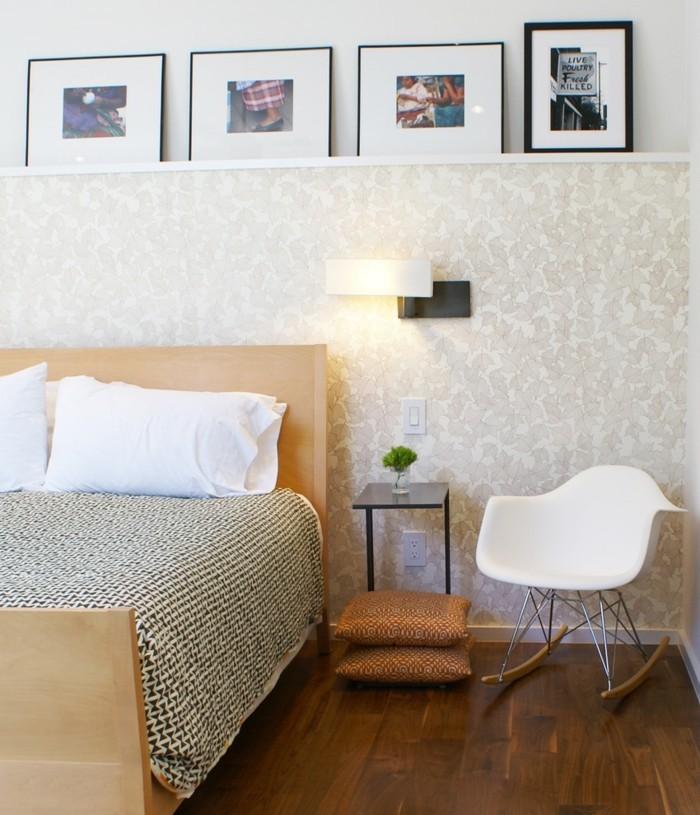 bilderleisten schlafzimmer gestalten schaukelstuhl bodenkissen